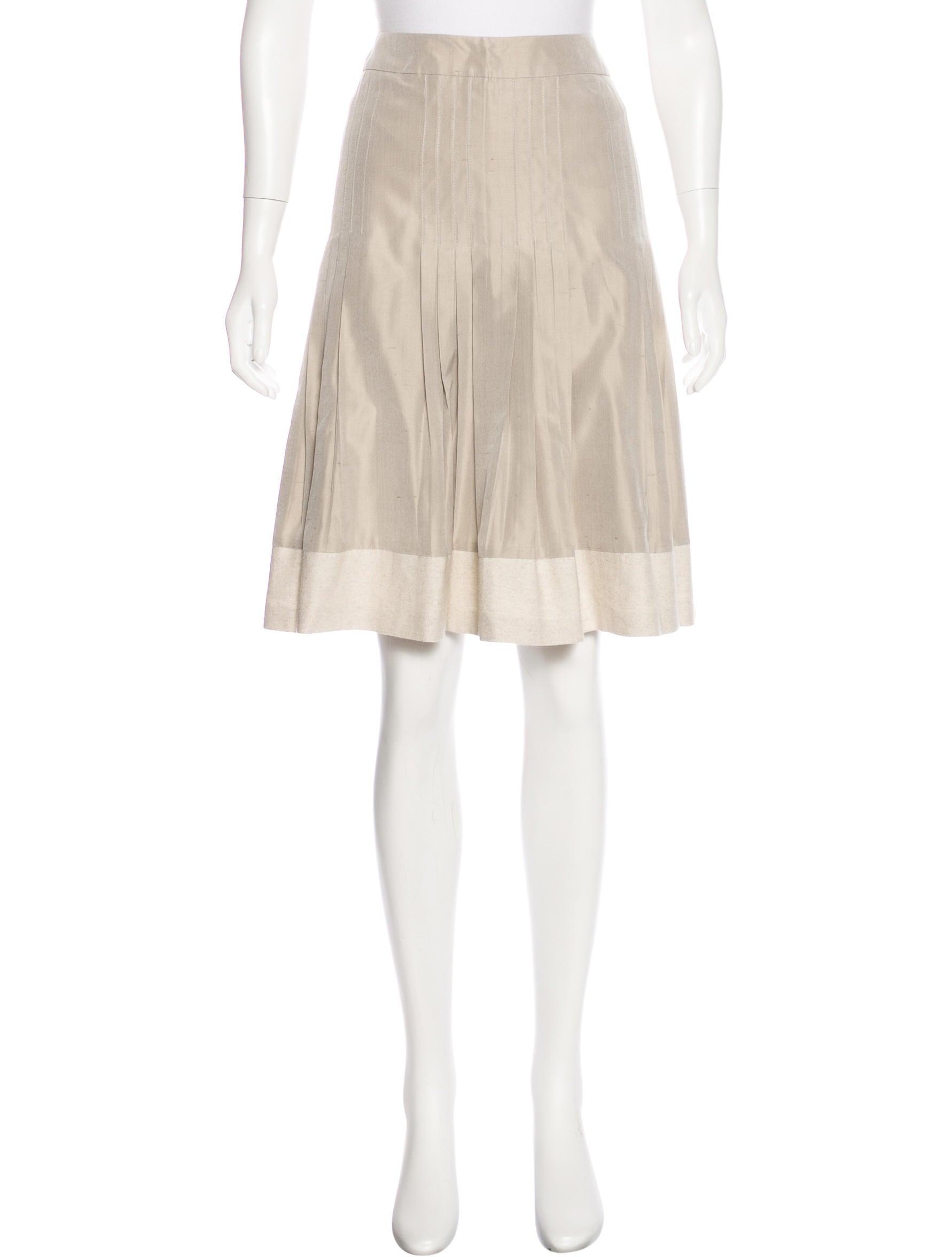 akris knee length pleated skirt clothing akr33308