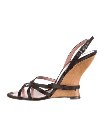 ala 239 a satin wedge sandals shoes al224413 the realreal