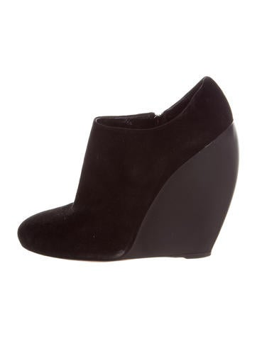 Alaïa Suede Round-Toe Wedges None