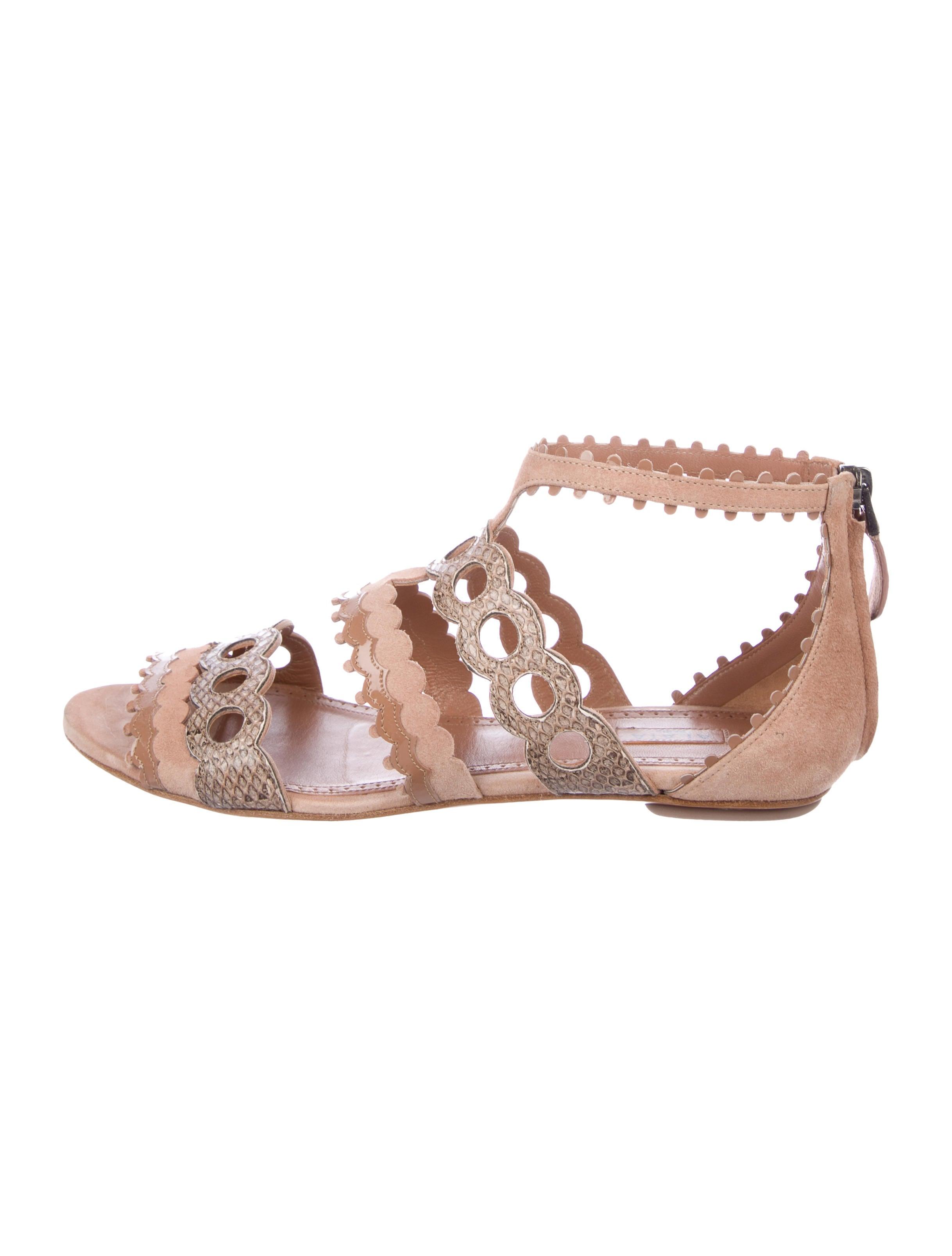 Alaïa Scallop Cutout Sandals buy cheap price largest supplier sale online footlocker pictures cheap price collections cheap price 7AeDFDkH