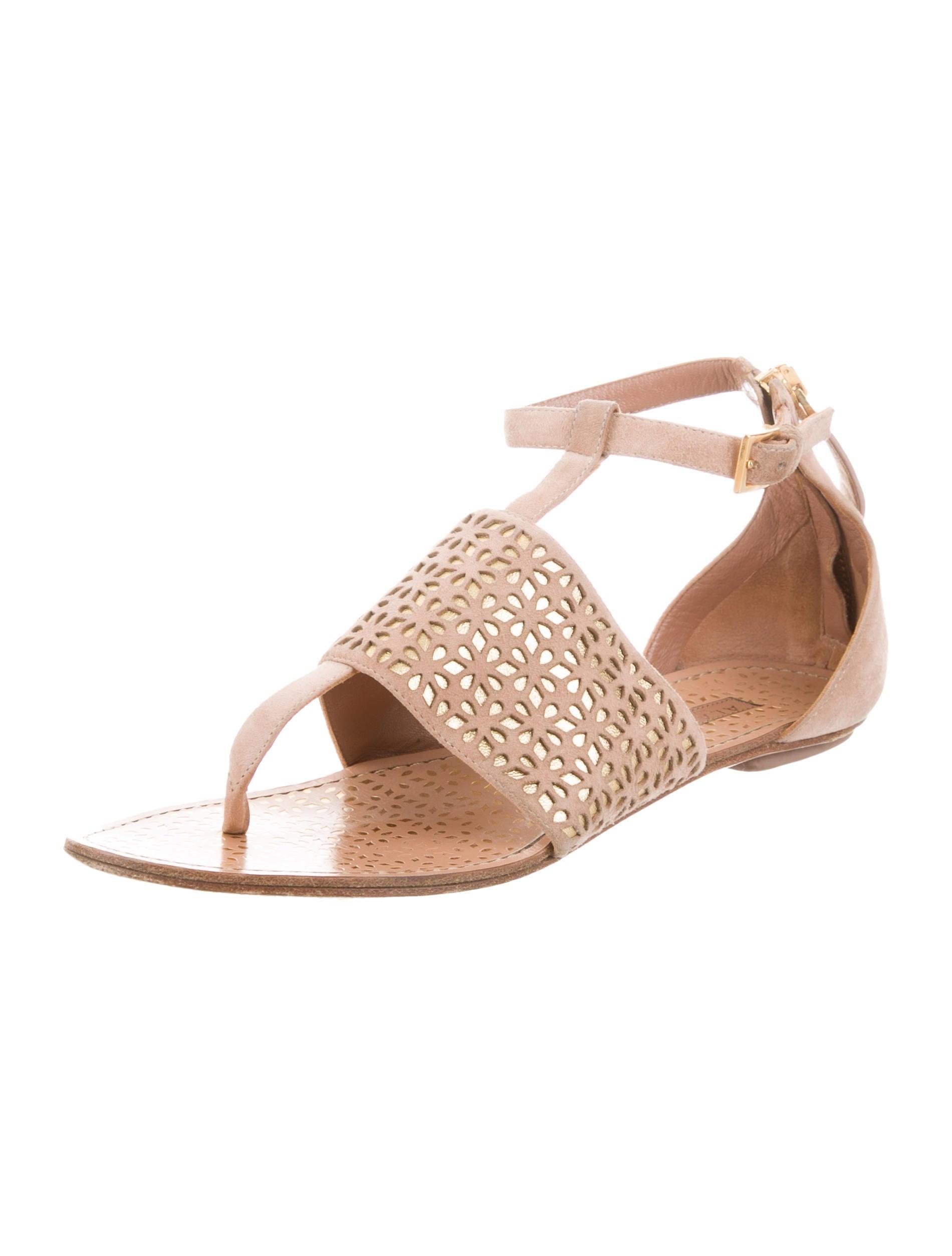 Alaïa Laser Cut Thong Sandals cheap sale footlocker pictures cNeRkOn