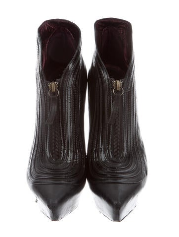 Pointed-Toe Ankle Boots