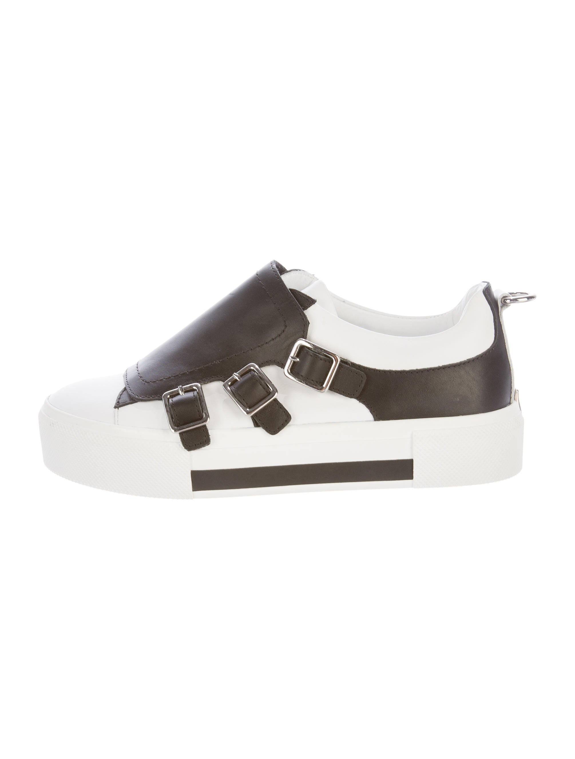 dfbdd6be10da Alexander McQueen Low-Top Platform Sneakers - Shoes - ALE39138
