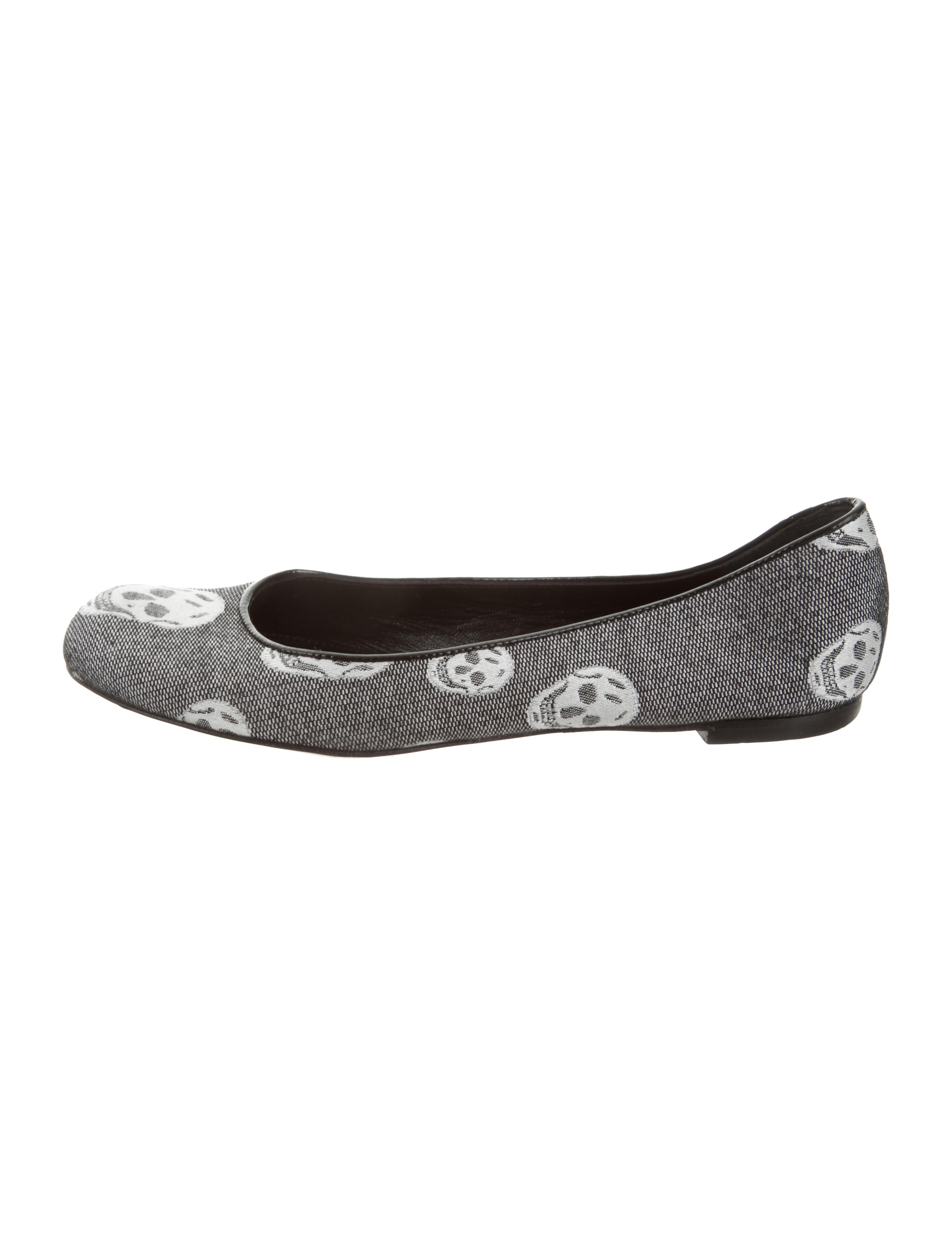outlet cheap price buy cheap sast Alexander McQueen Skull Print Round-Toe Flats clearance low shipping fee discount release dates outlet cost ERj9Wlsa