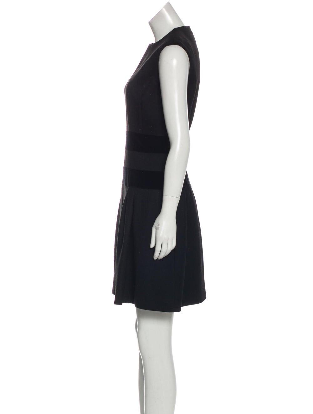 Alexander McQueen Sleeveless Flared Dress Black - image 2
