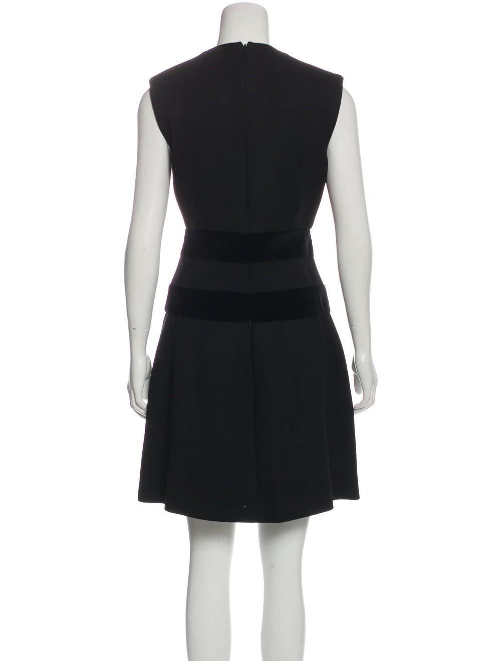Alexander McQueen Sleeveless Flared Dress Black - image 3