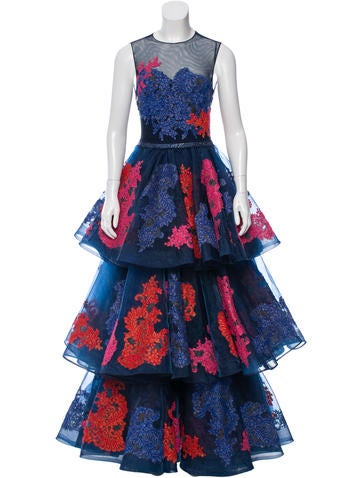 Lace Appliqué Sleeveless Gown