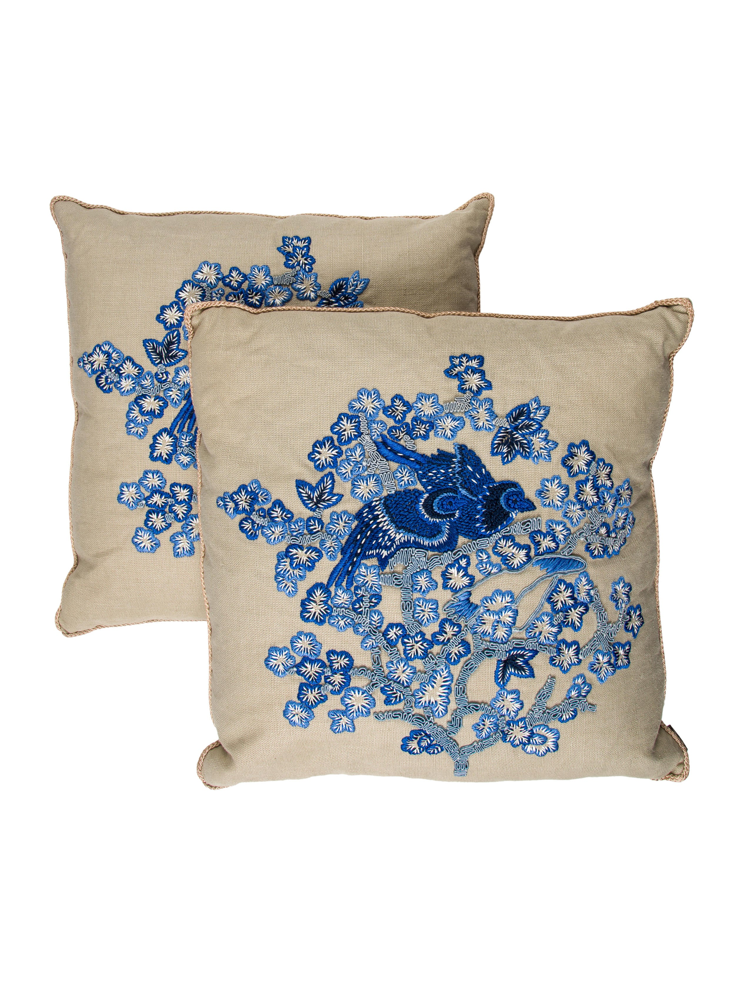 Embroidered State Throw Pillows : Ankasa Embroidered Throw Pillows - Bedding And Bath - ANKSA20026 The RealReal