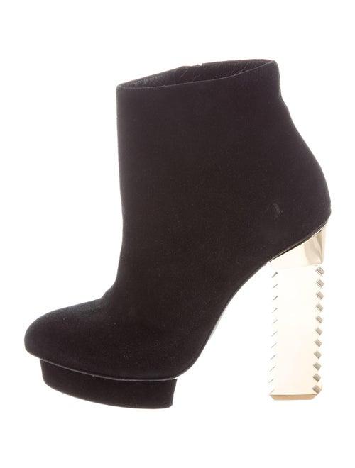 Aperlai Suede Boots Black