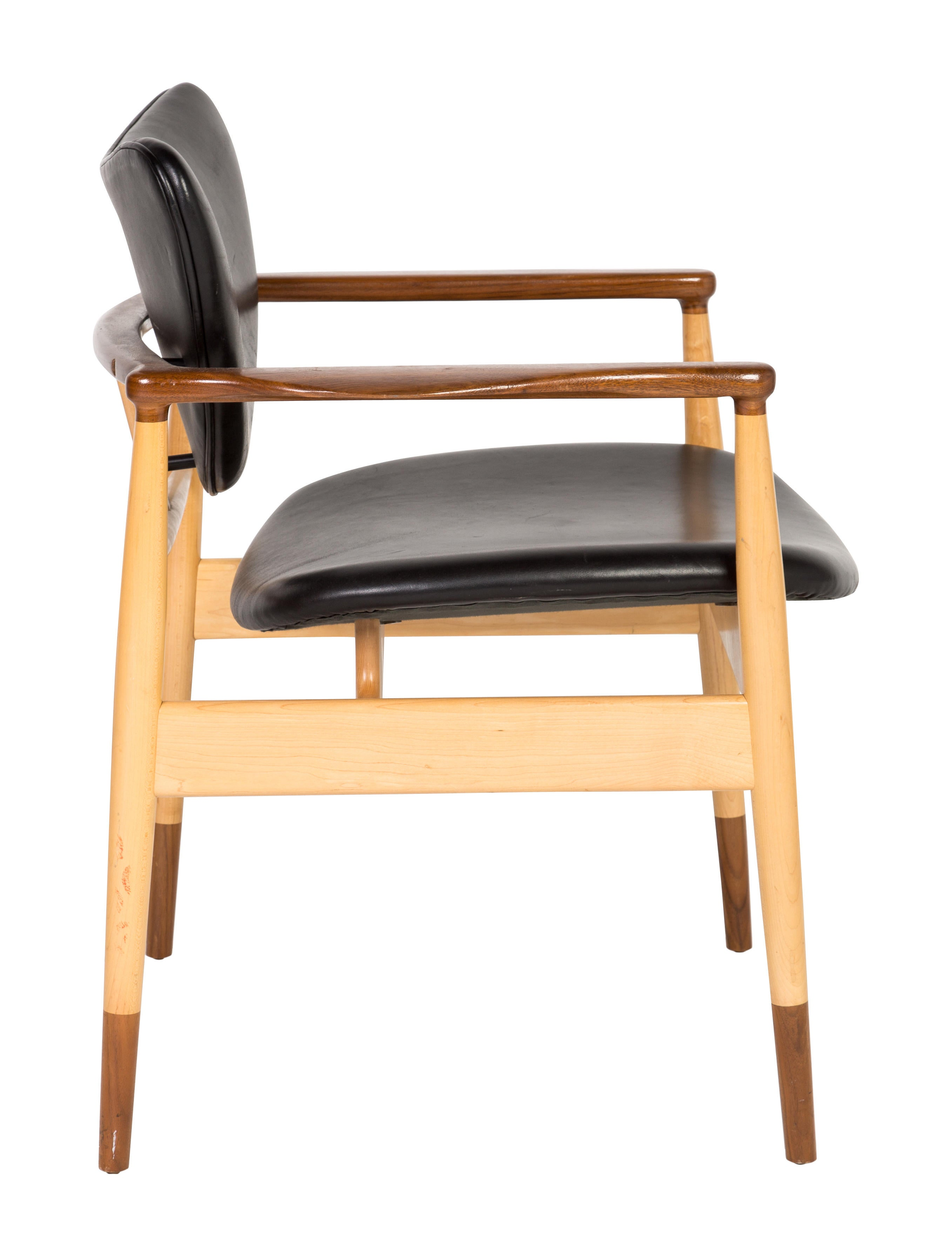 Baker leather lj 48 accent chairs furniture baker20031 the realreal - Essential accent furniture for your home ...