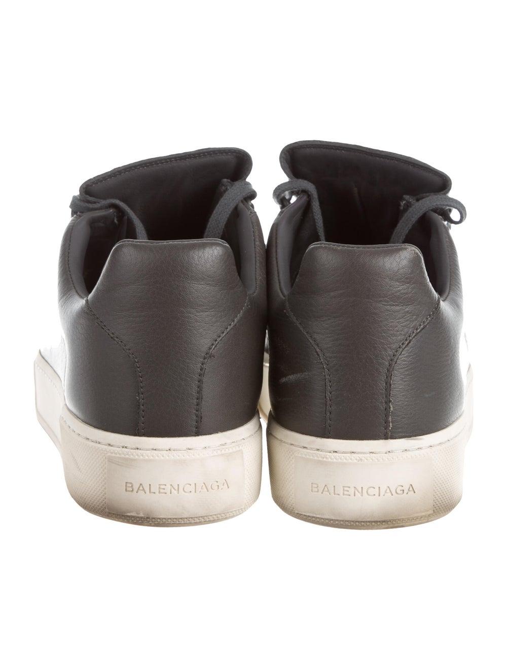 Balenciaga Cap-Toe Low-Top Sneakers Gris - image 4