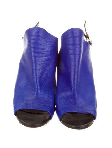 Wedge Glove Sandals