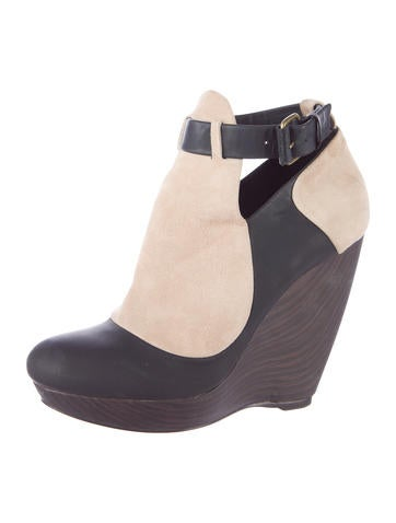 Colorblock Wedge Booties
