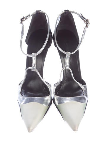 Patent Pointed-Toe Pumps
