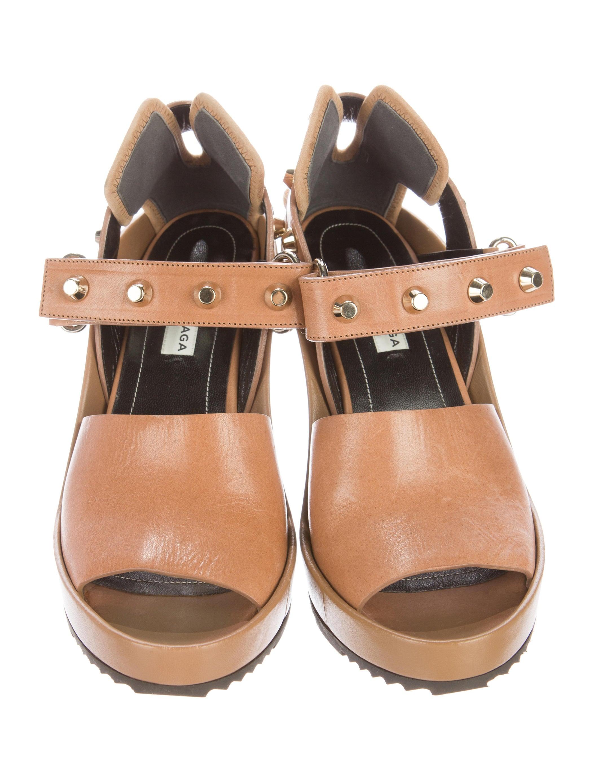 balenciaga studded arena wedge sandals shoes bal47131