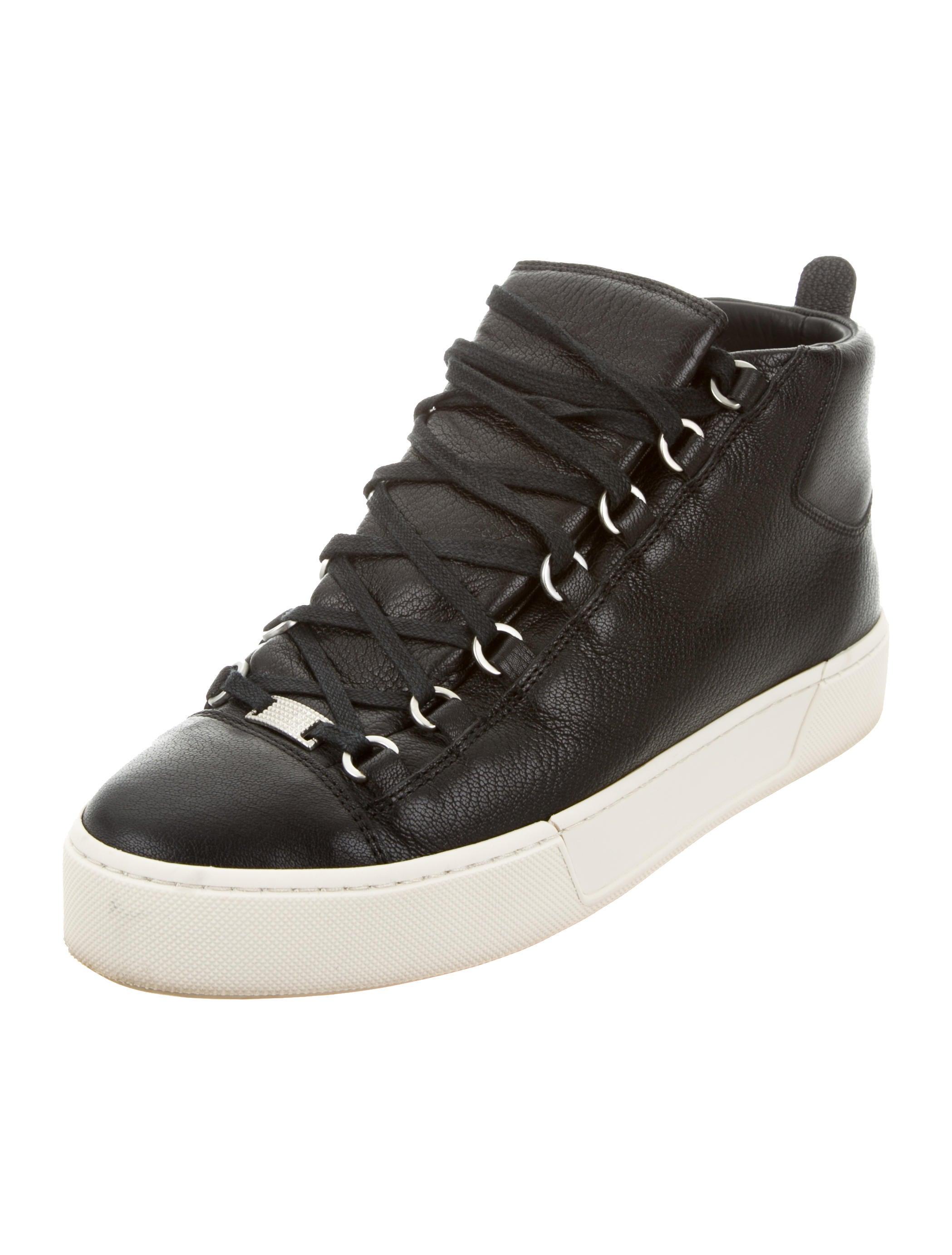 balenciaga leather hamilton sneakers shoes bal52901 the realreal. Black Bedroom Furniture Sets. Home Design Ideas