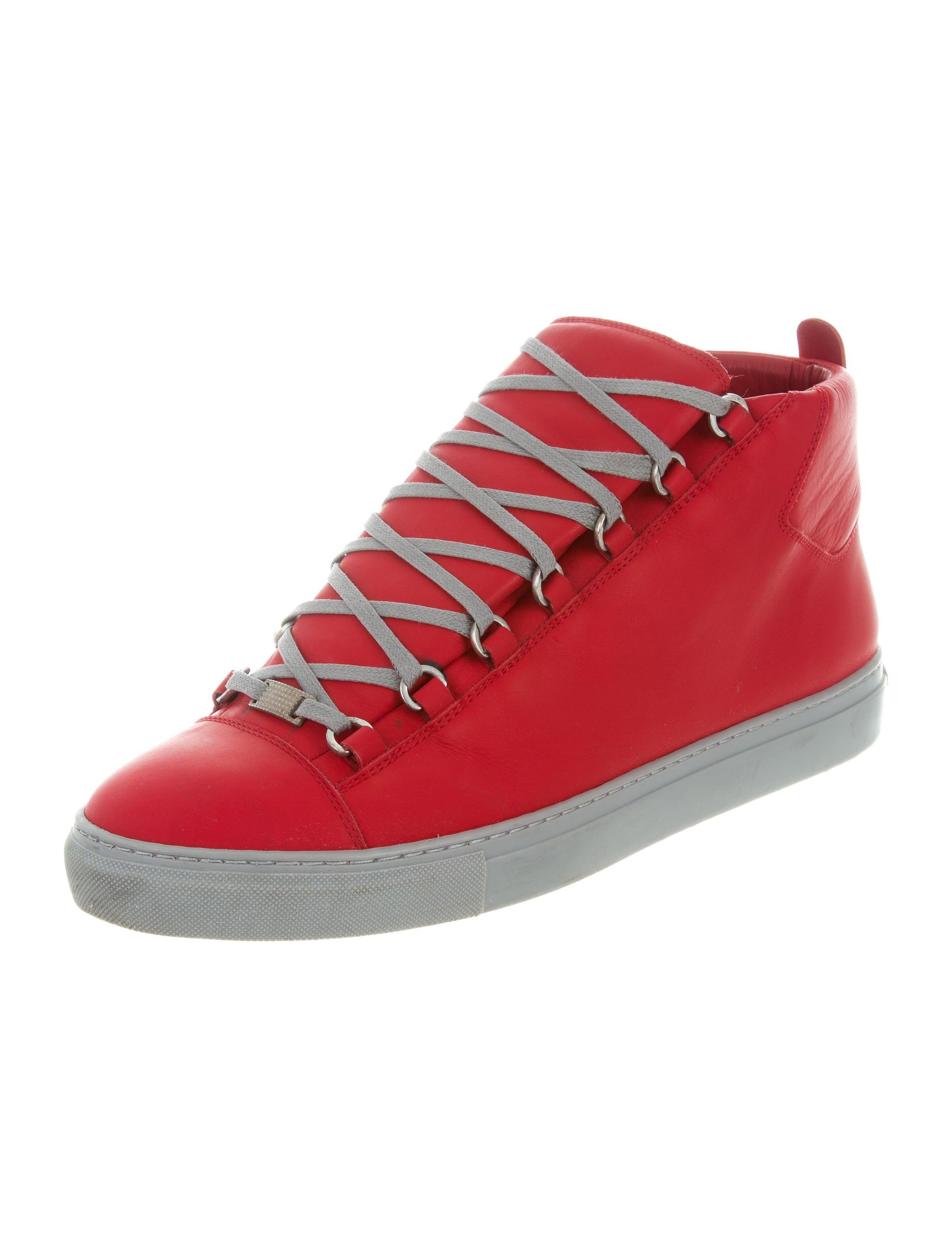 balenciaga leather hamilton sneakers shoes bal53472 the realreal. Black Bedroom Furniture Sets. Home Design Ideas