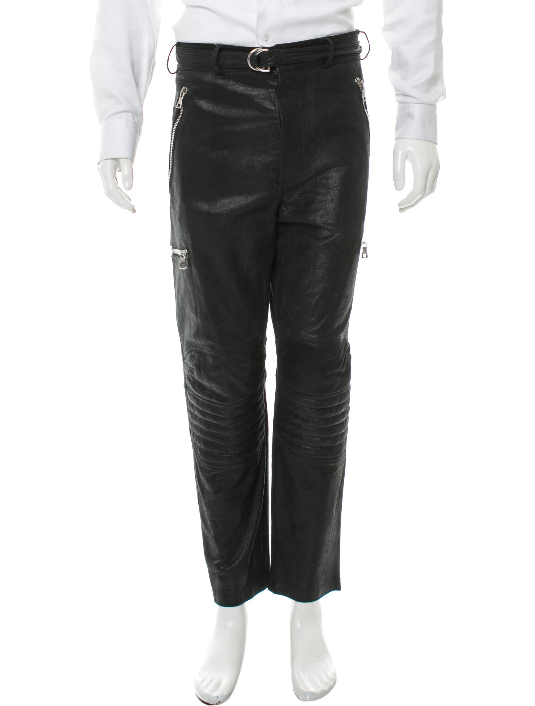 balmain leather pants in gray. BALMAIN´S NEW SIGNATURE FOUR POCKET STYLE LEATHER PANT UPDATED WITH NEWLY DESIGNED FRONT POCKETS, CONCEALED POCKETS AT FRONT AND AT BACK, CURVED SEAM DETAILS AT FRONT THIGHS AND CONCEALED ZIPPERS AT ANKLES.