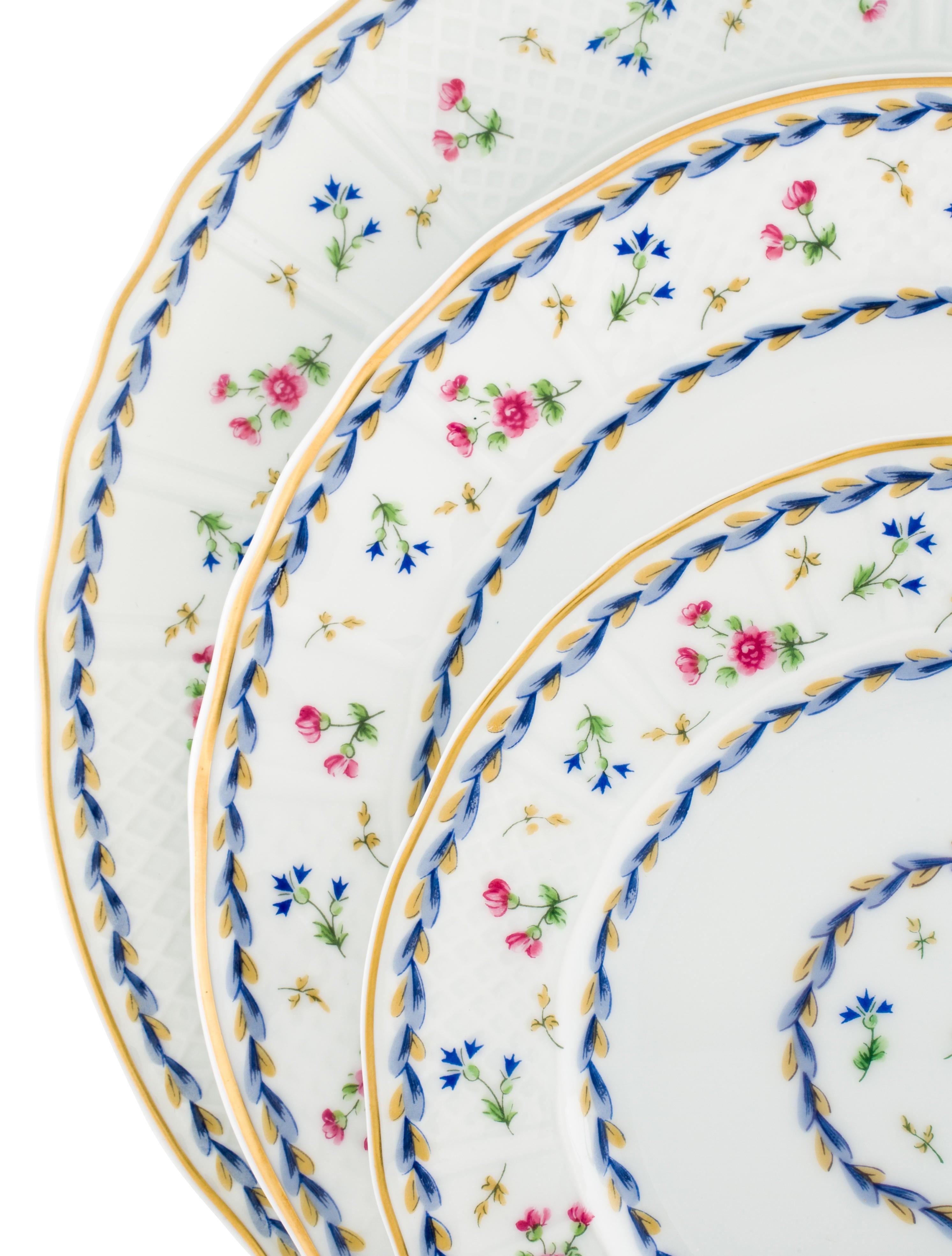 Bernardaud 30-Piece Limoges Artois Bleu Dinner Service