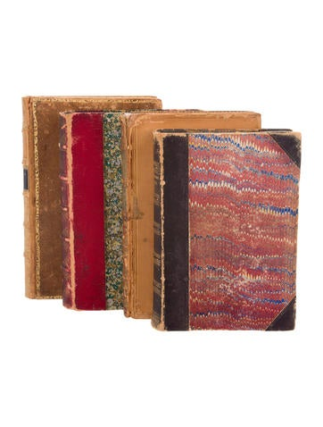 Antique leather bound books decor and accessories for Antique books for decoration