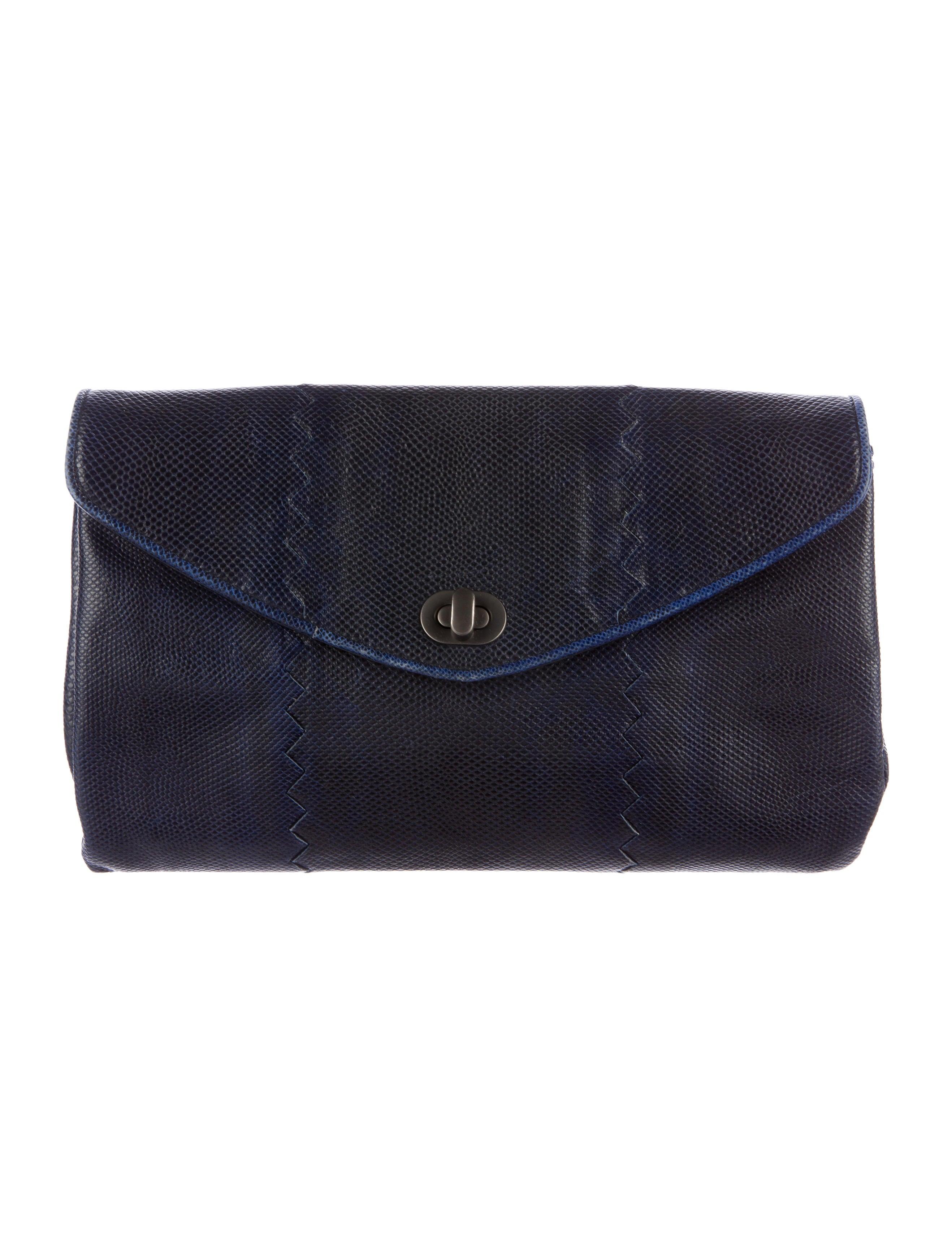 bottega veneta karung envelope clutch handbags bot40197 the realreal. Black Bedroom Furniture Sets. Home Design Ideas
