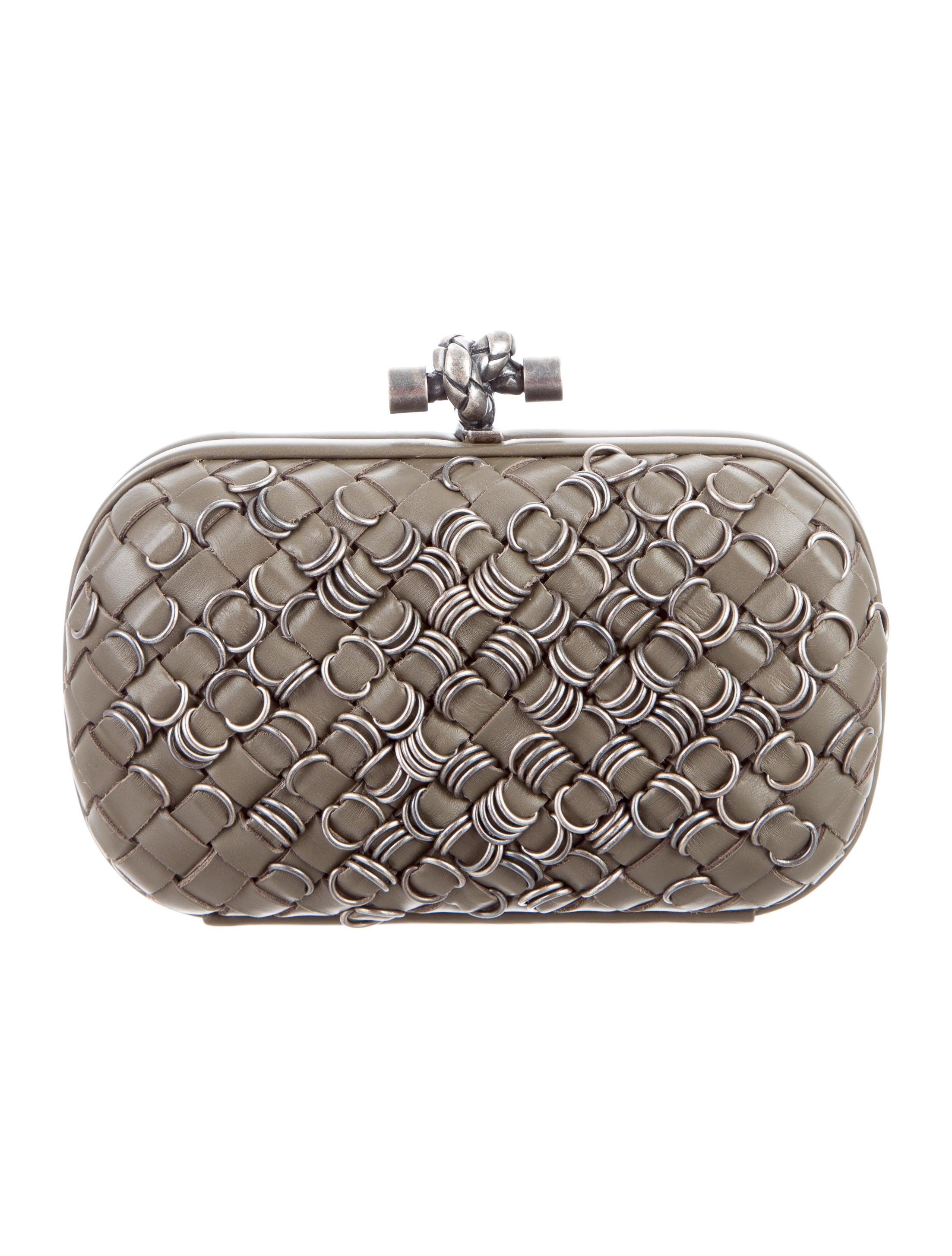 bottega veneta embellished knot clutch handbags bot41911 the realreal. Black Bedroom Furniture Sets. Home Design Ideas
