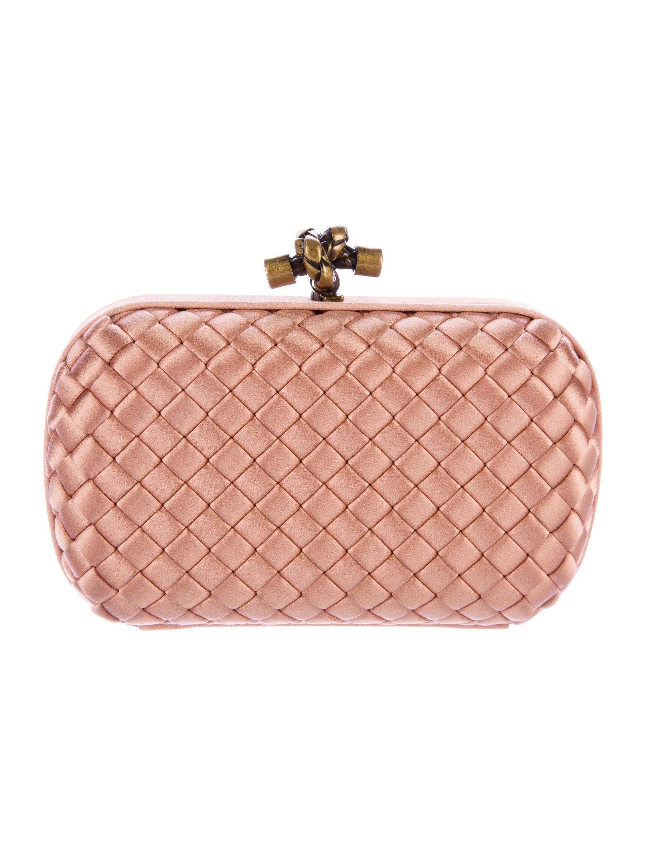 bottega veneta intrecciato knot clutch handbags bot44277 the realreal. Black Bedroom Furniture Sets. Home Design Ideas
