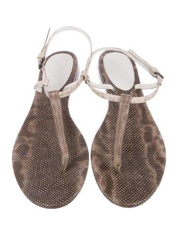 56b3e70fa44bf Bottega Veneta Embossed Thong Sandals - Shoes - BOT55461