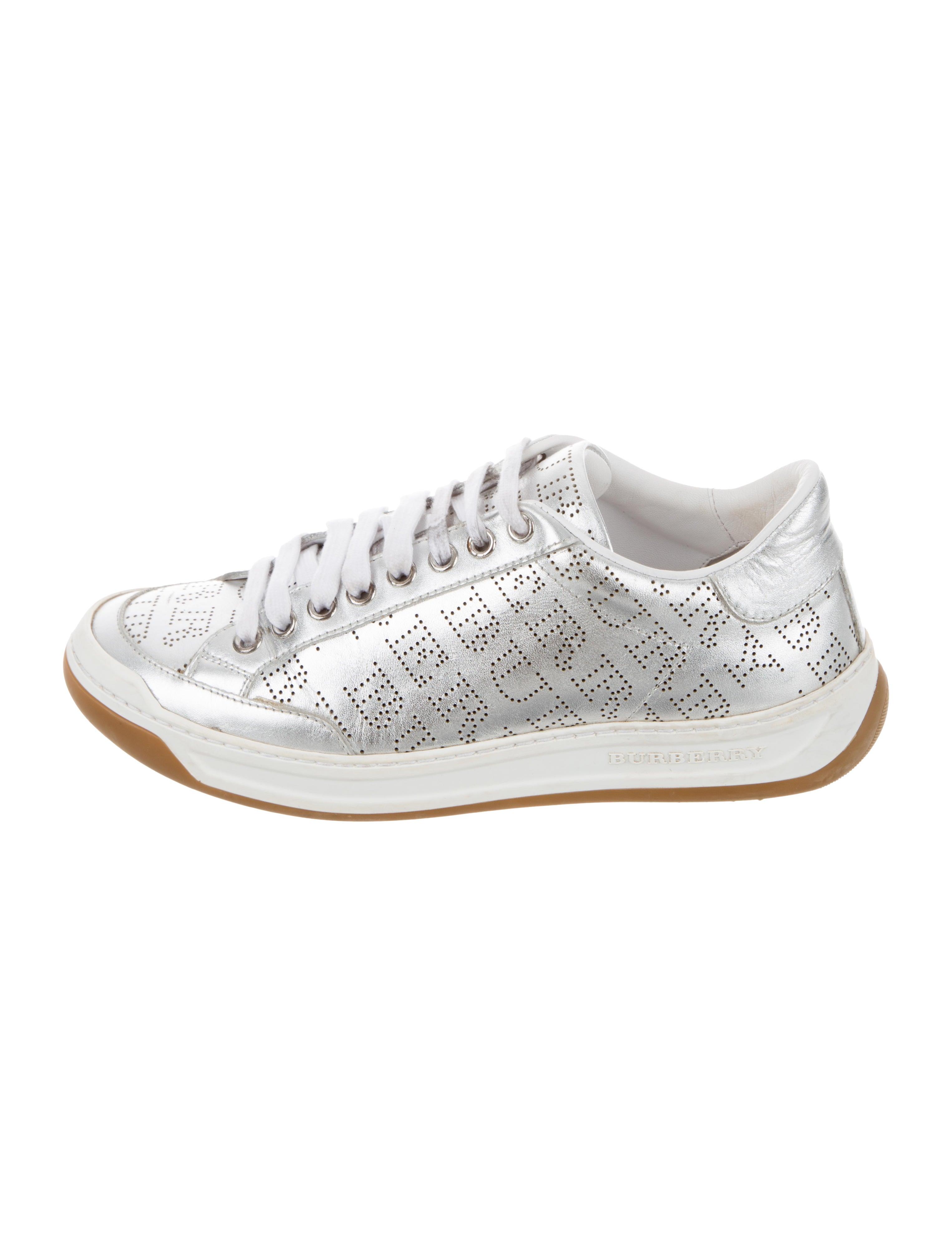 d43f7eadd26c Sneakers
