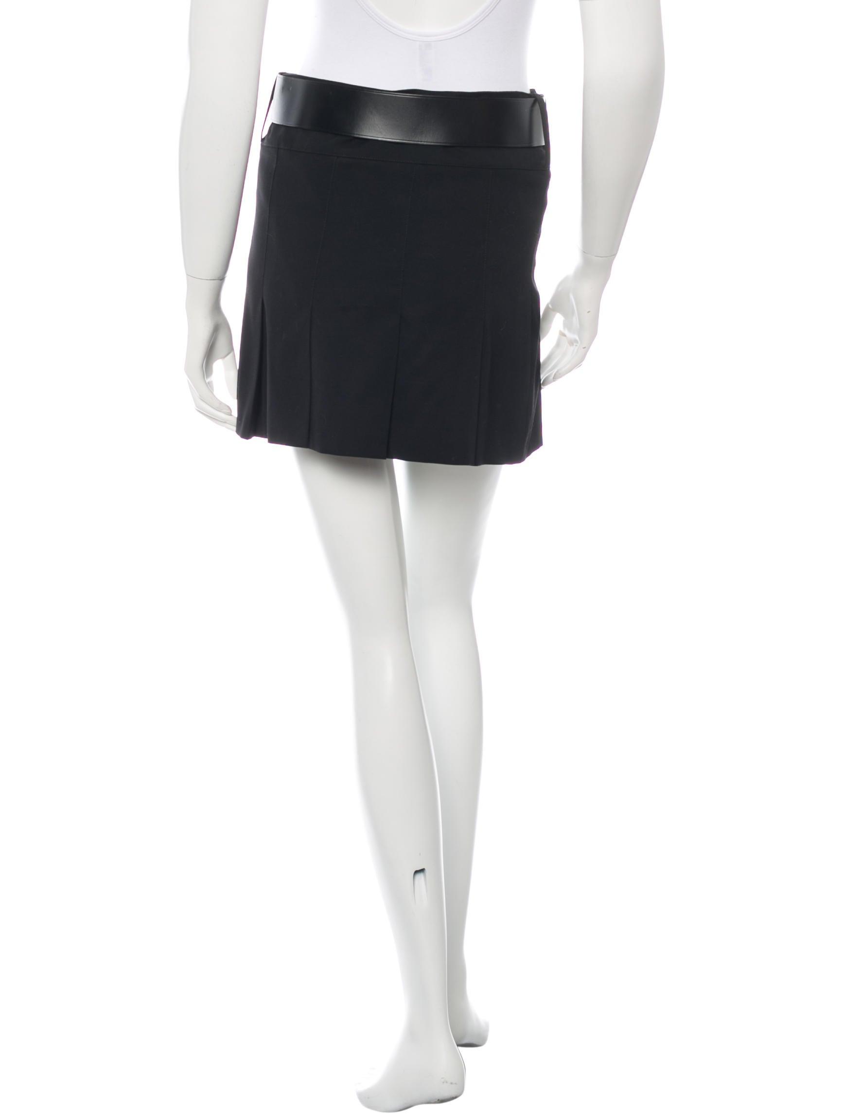 burberry wool mini skirt clothing bur55450 the realreal