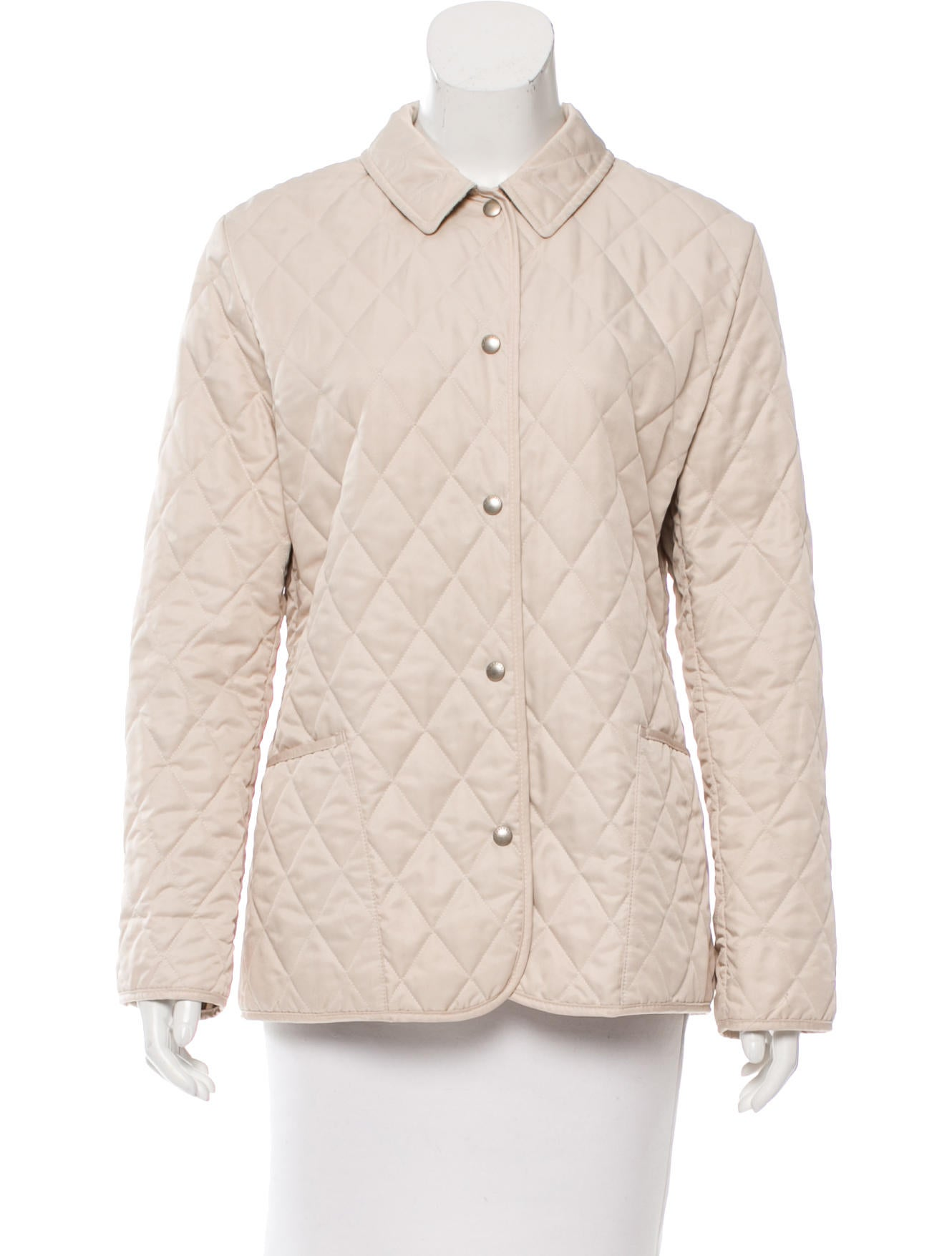 Get classic to offbeat men's jackets from Givenchy, Valentino & Moschino to name a few with our fast global delivery at Farfetch & return for free.