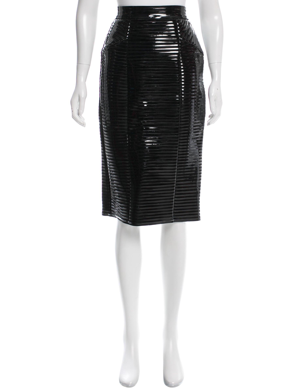 761c7bec6 Burberry Vinyl Pencil Skirt - Clothing - BUR67597 | The RealReal