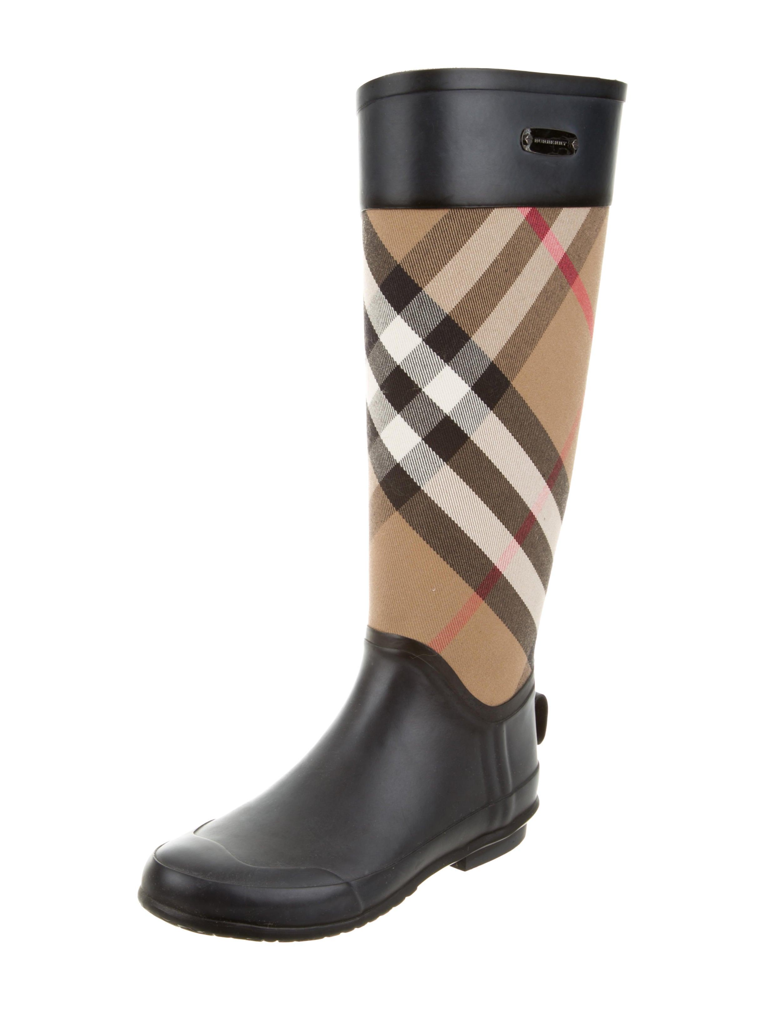 Burberry House Check Rain Boots - Shoes