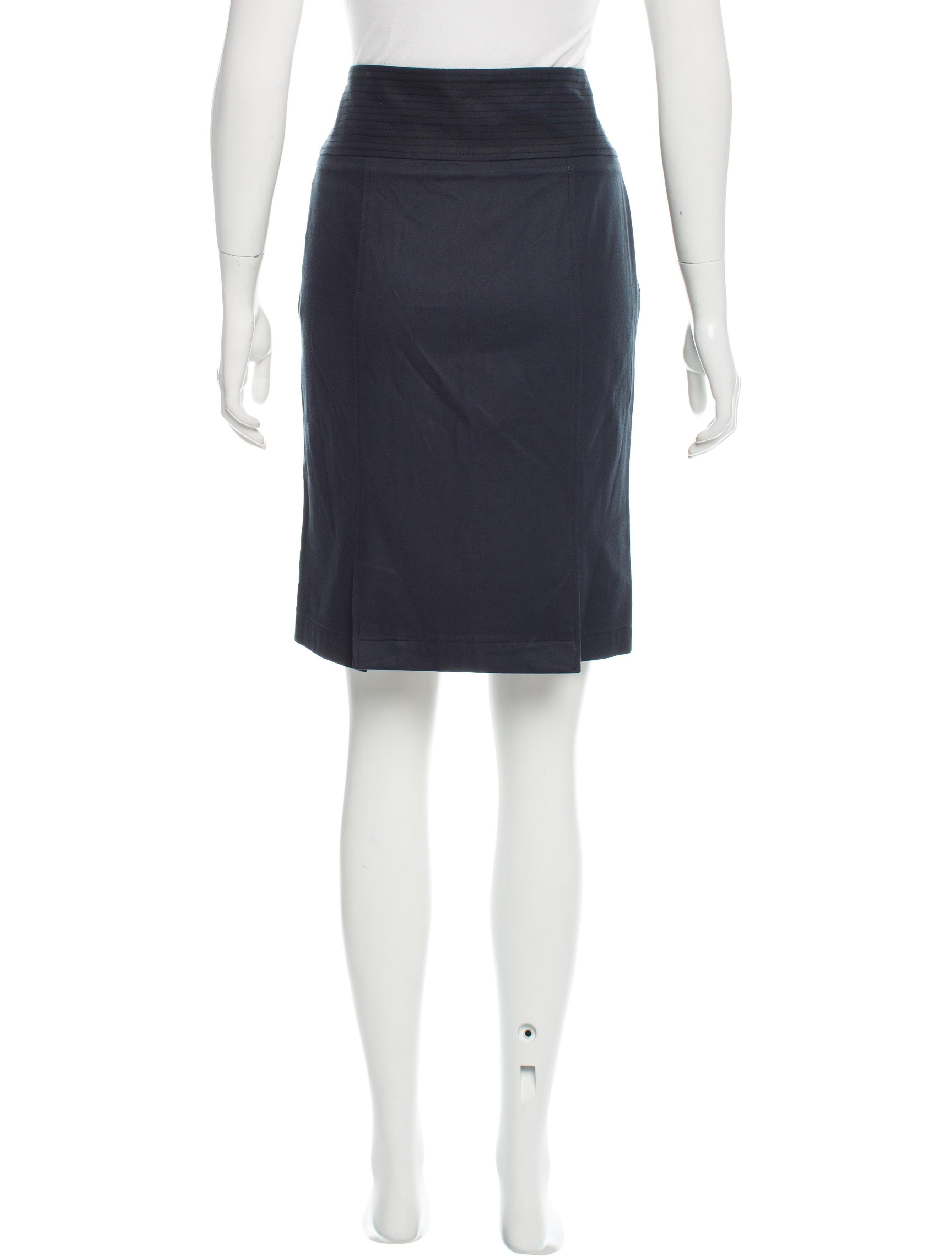 burberry knee length pencil skirt clothing bur71514