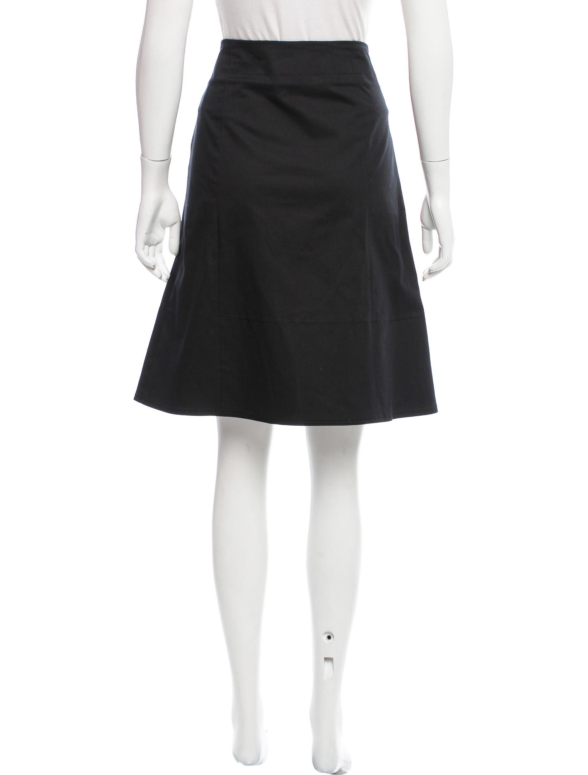 burberry pleated knee length skirt clothing bur72753