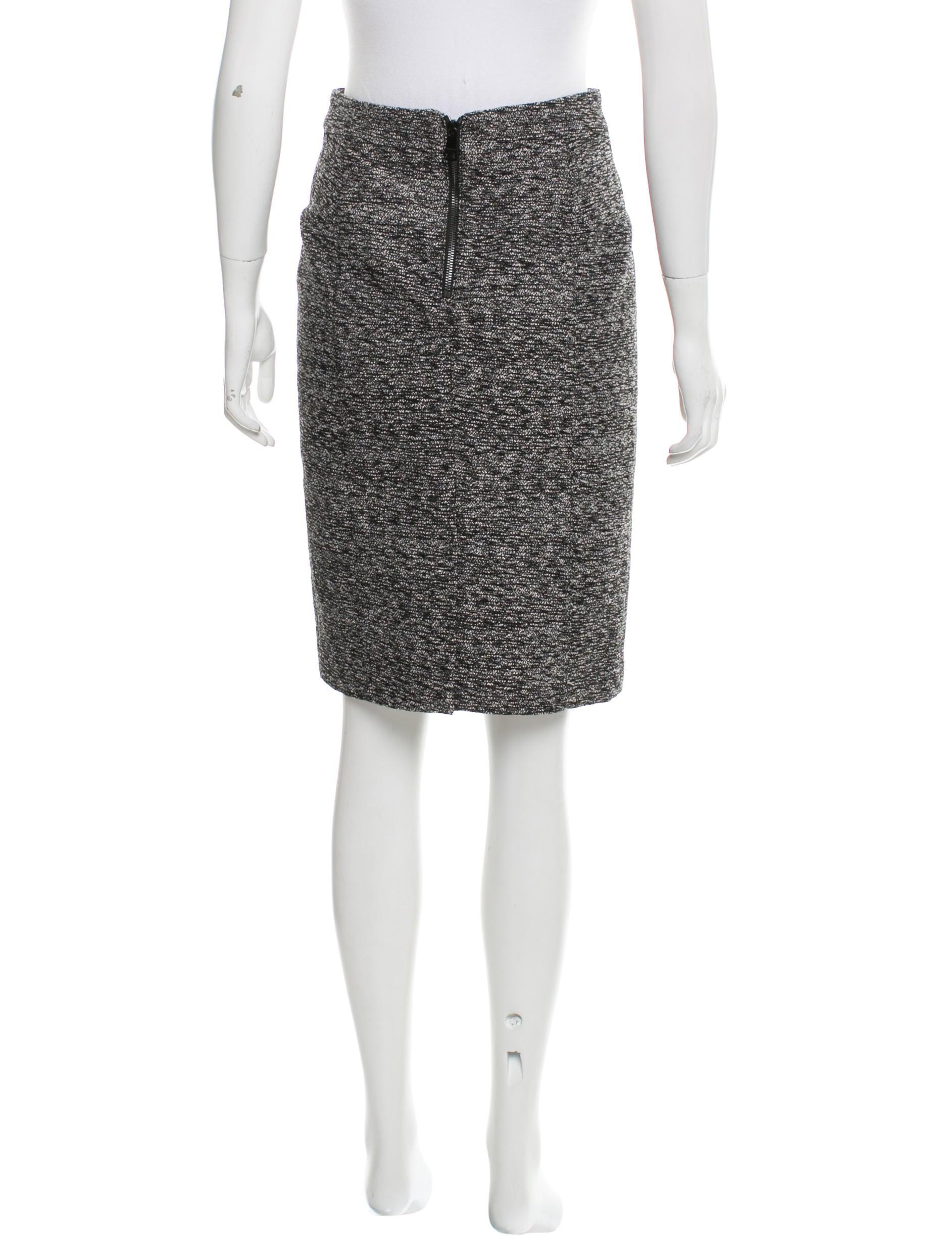 Burberry Knee-Length Pencil Skirt - Clothing