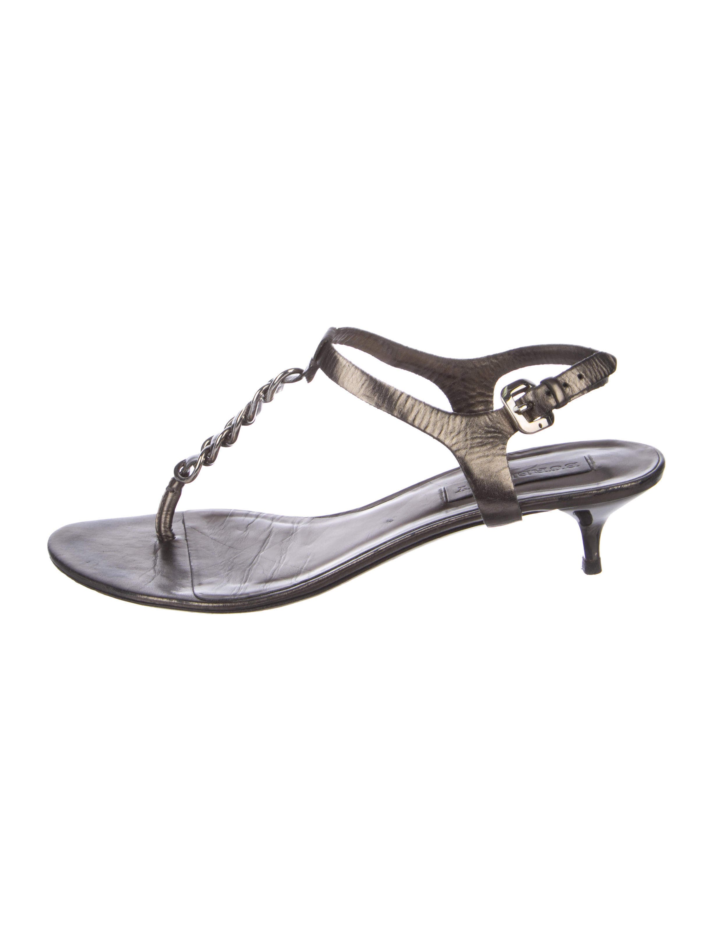 b9db0eee971 Burberry Chain-Link Thong Sandals - Shoes - BUR88413