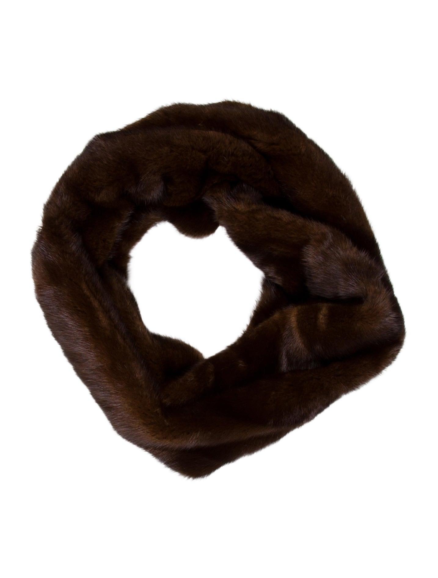 Carolina Herrera Mink Fur Infinity Scarf w Tags  : CAO315651enlarged from www.therealreal.com size 1434 x 1892 jpeg 117kB