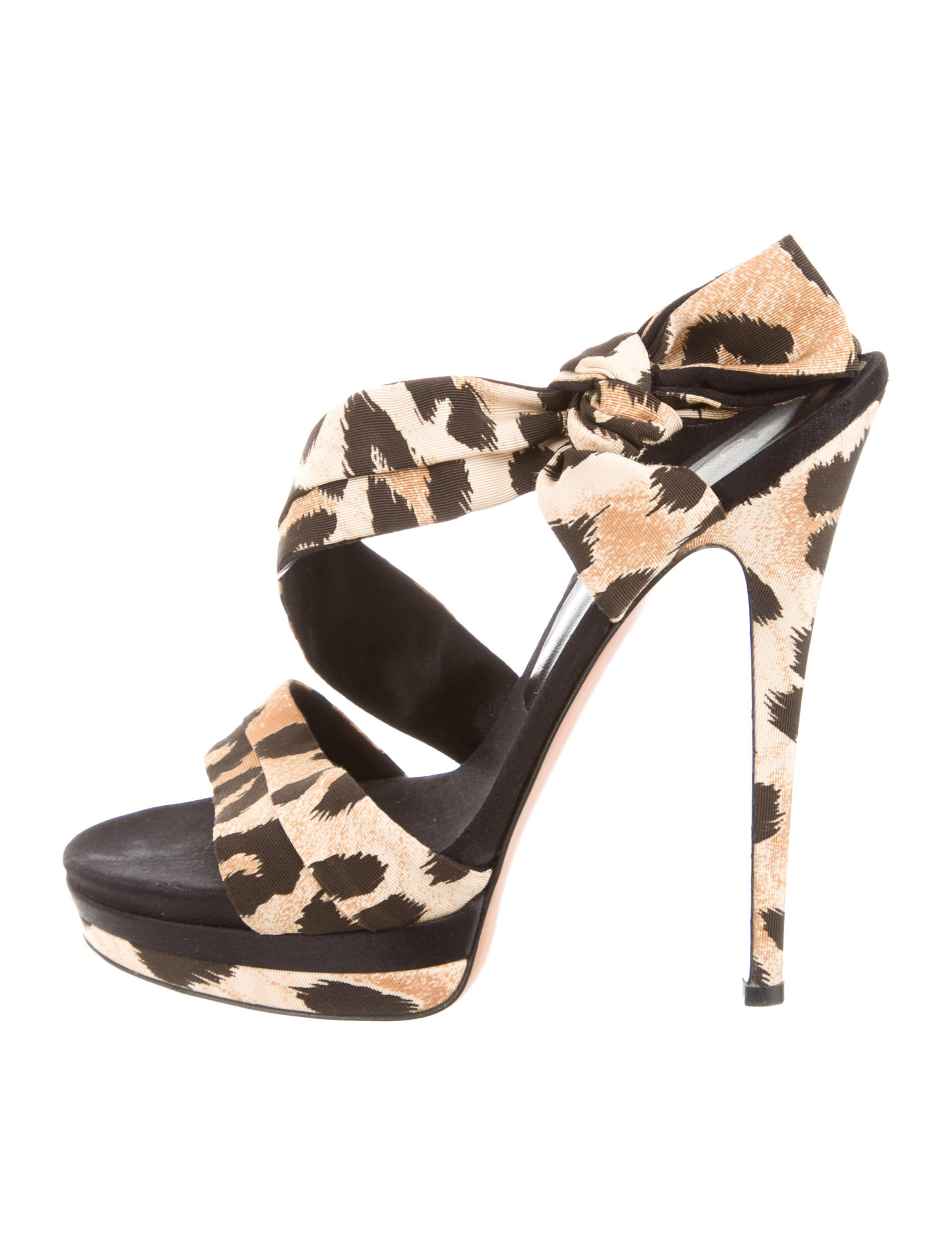 Shop the latest and fashionable women booties shoes at report2day.ml offers black ankle booties,lace up ankle booties,leopard wedge booties,wedge ankle booties,black wedge booties,flat ankle booties,black suede booties,lace up booties,stiletto booties,peep toe booties,black high heel booties,strappy booties and more at cheap price.