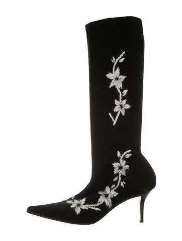 Embroidered Pointed-Toe Boots