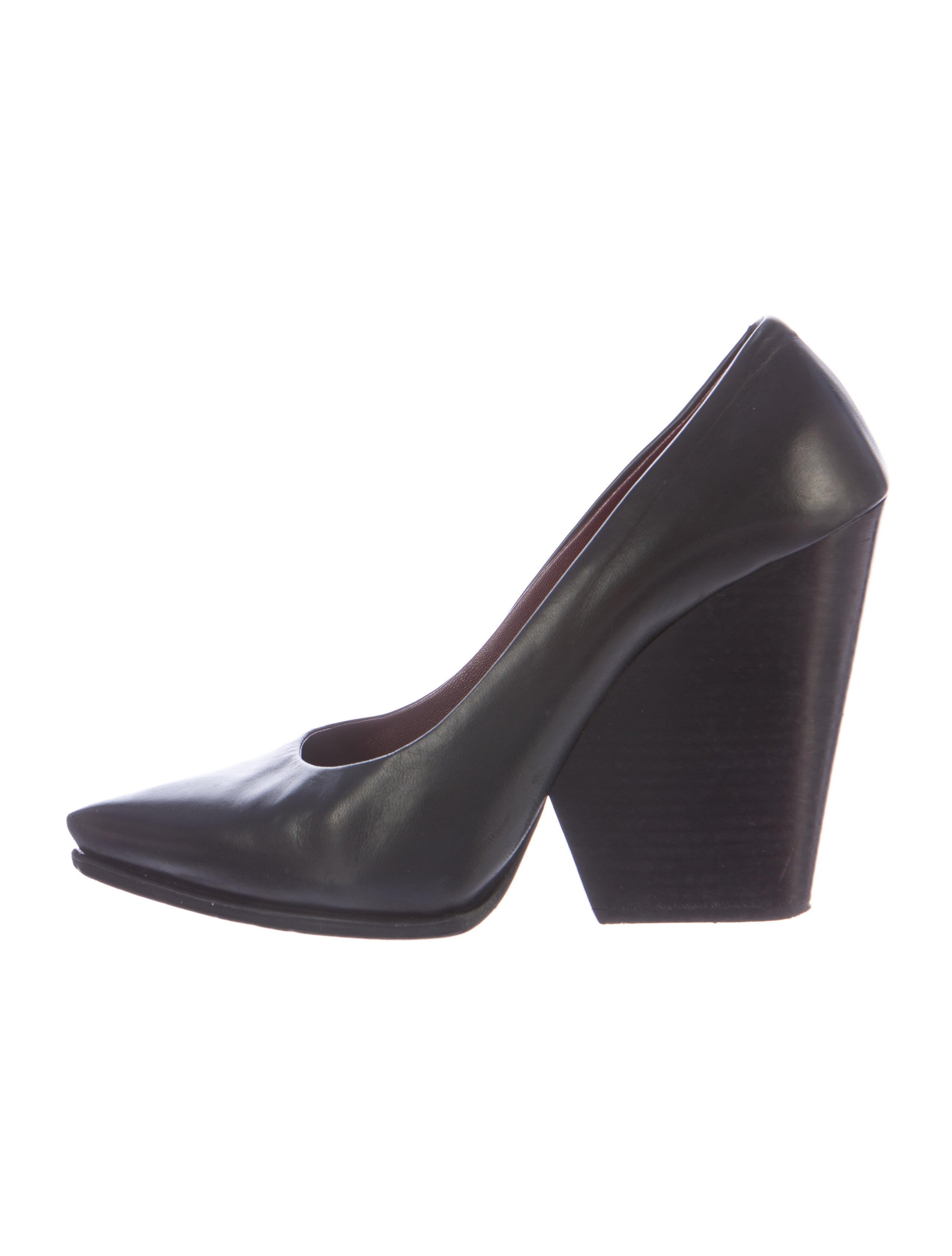 c 233 line pointed toe leather wedges shoes cel36534 the