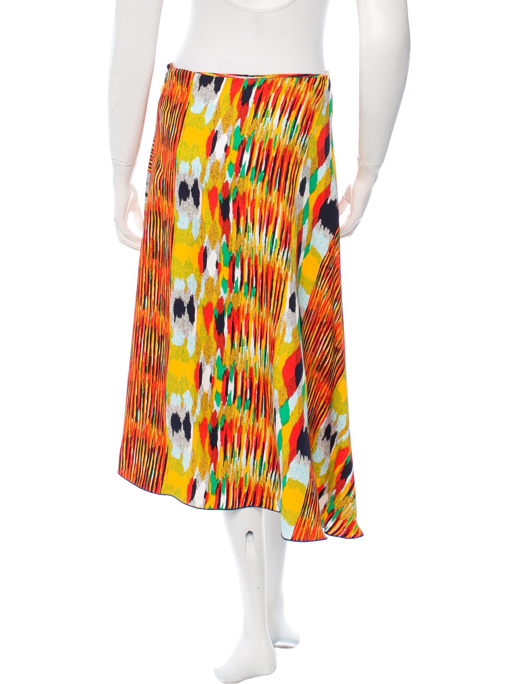 c 233 line printed midi skirt clothing cel39302 the realreal