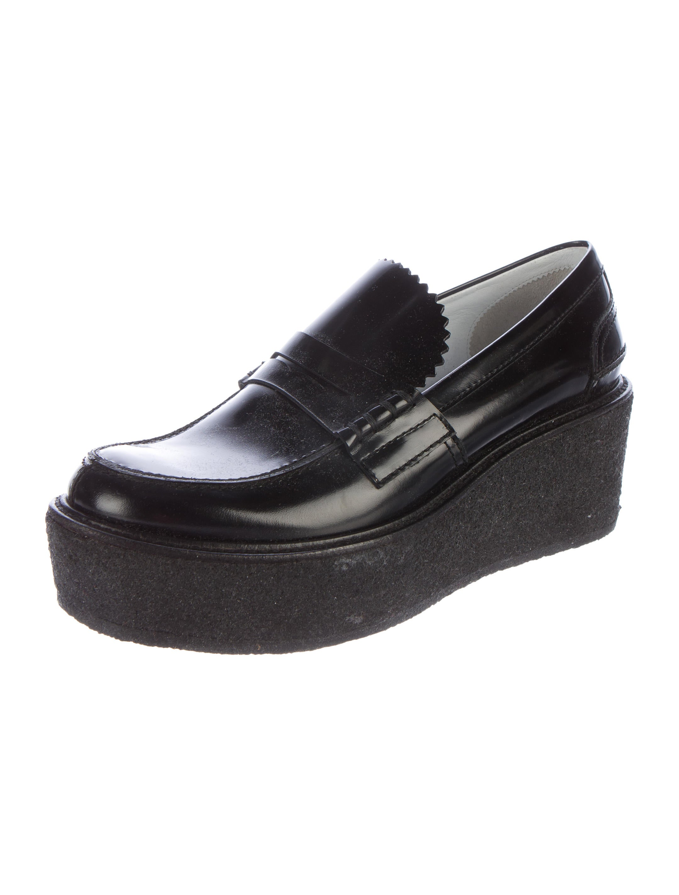 Shop for women's loafers and oxford style shoes online at DSW, where we feature a wide range of loafer and dress shoe styles. Get free shipping on all orders!