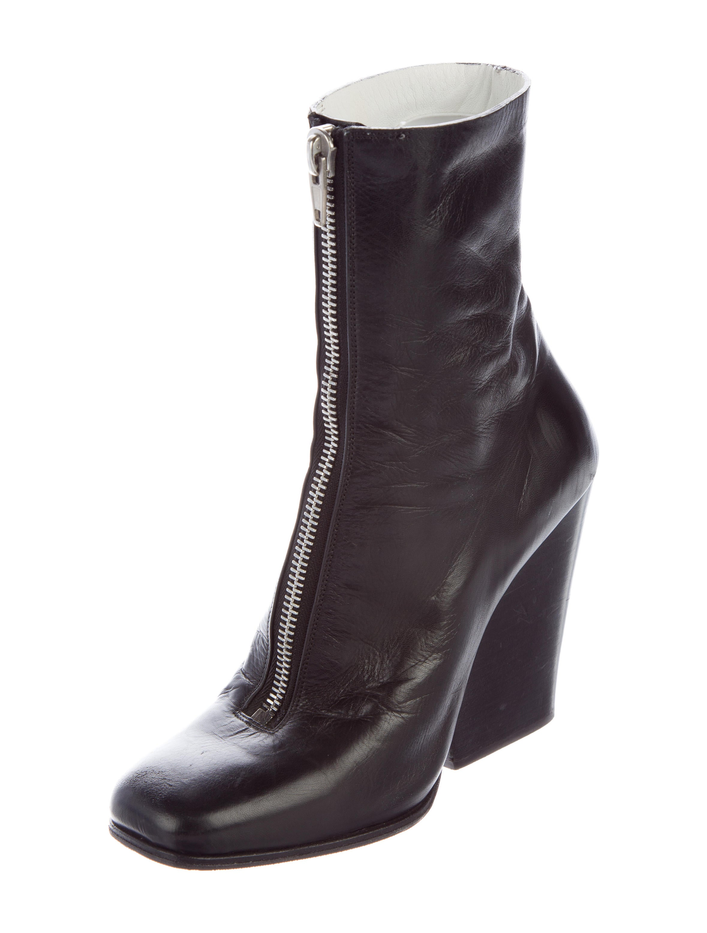 c 233 line leather zipper accented ankle boots shoes