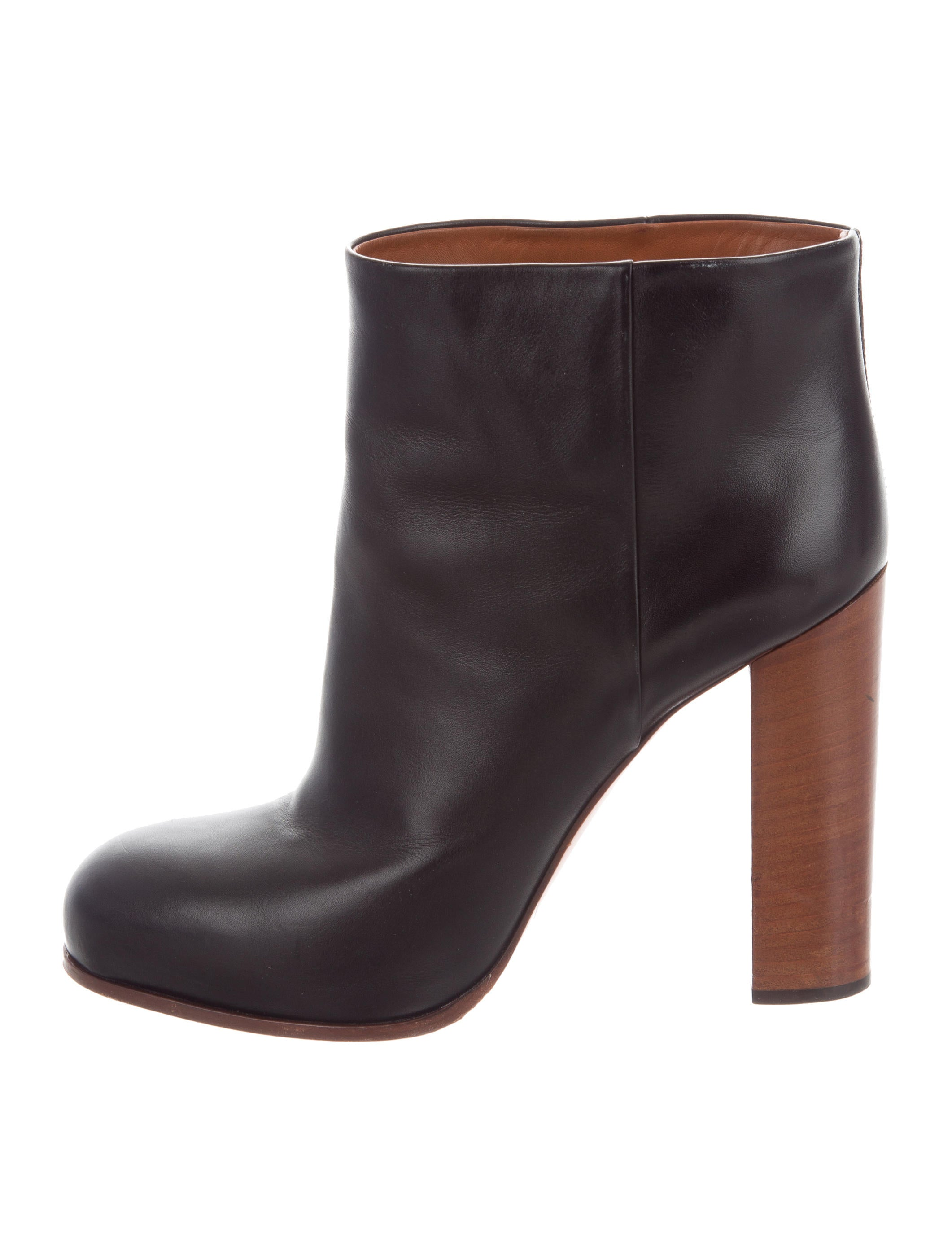 Céline Round-Toe Leather Ankle Boots