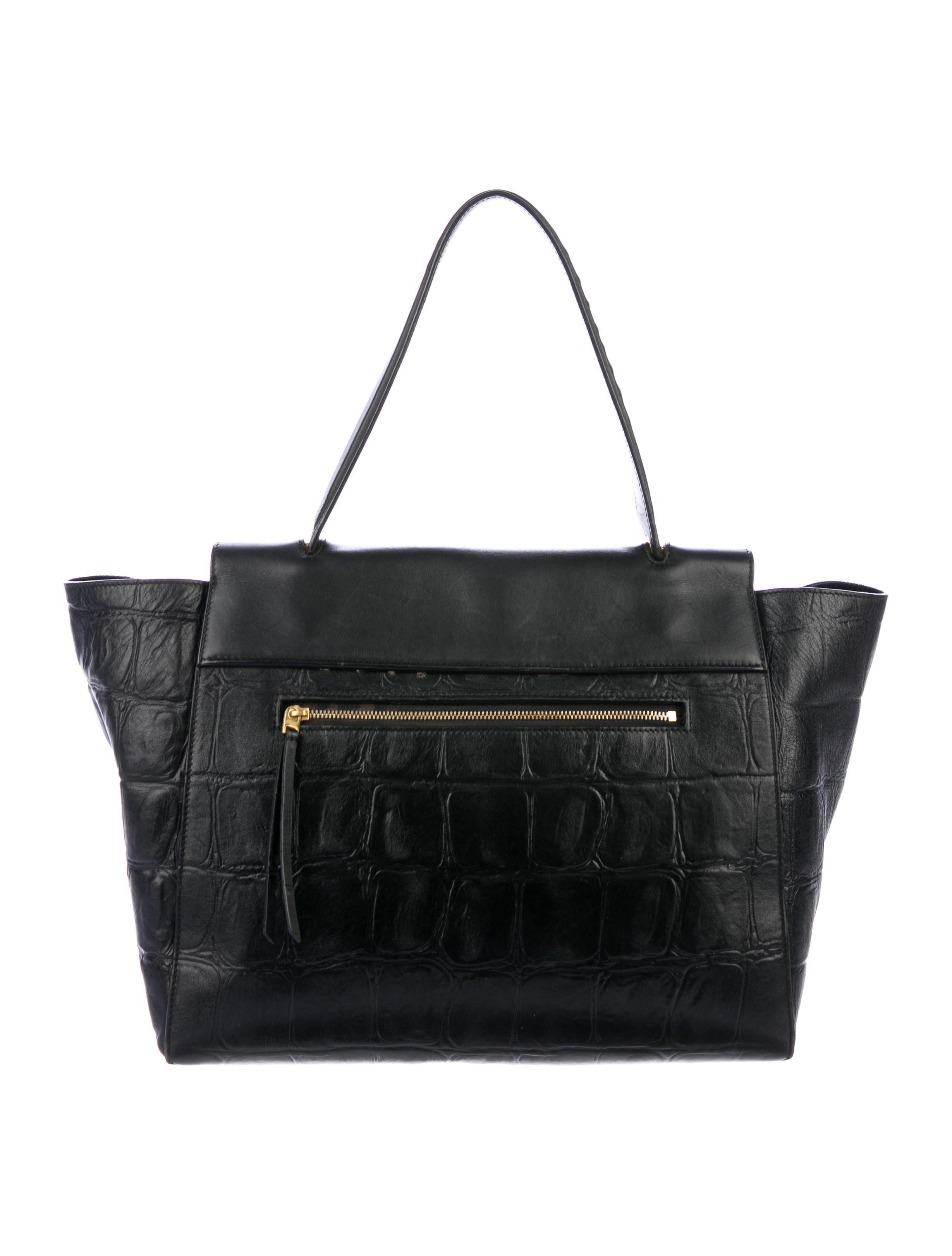 73ceda0d1d7 ... Belt Bag Céline Céline Embossed Embossed Medium xqCgRIffw4 ...