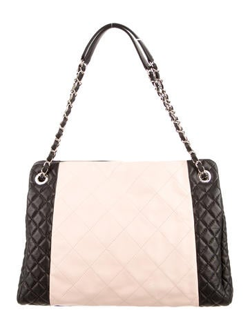 Two-Tone Quilted Shopping Tote