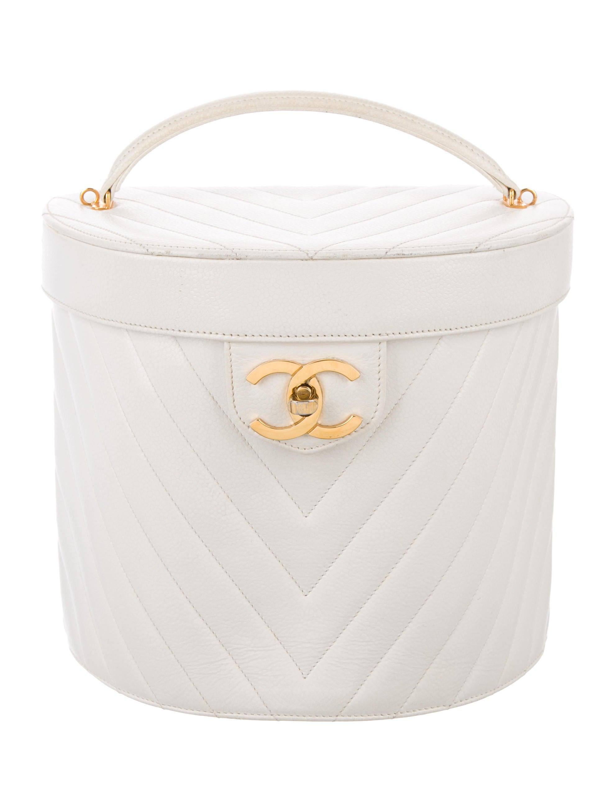Chanel Large Chevron Vanity Case Handbags Cha112886