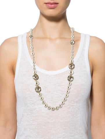 Crystal CC Faux Pearl Necklace