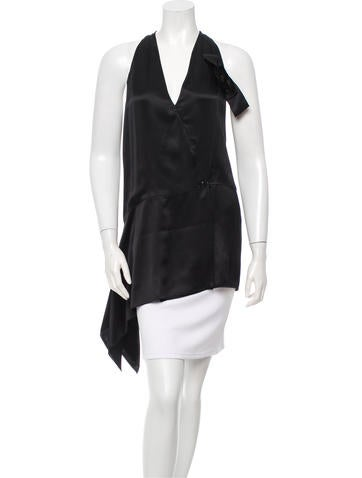 Chanel Silk Sleeveless Top None